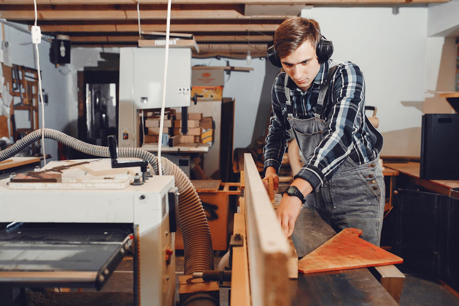 Fiński projektant nowoczesnych mebli wielofunkcyjnych poszukuje producentów