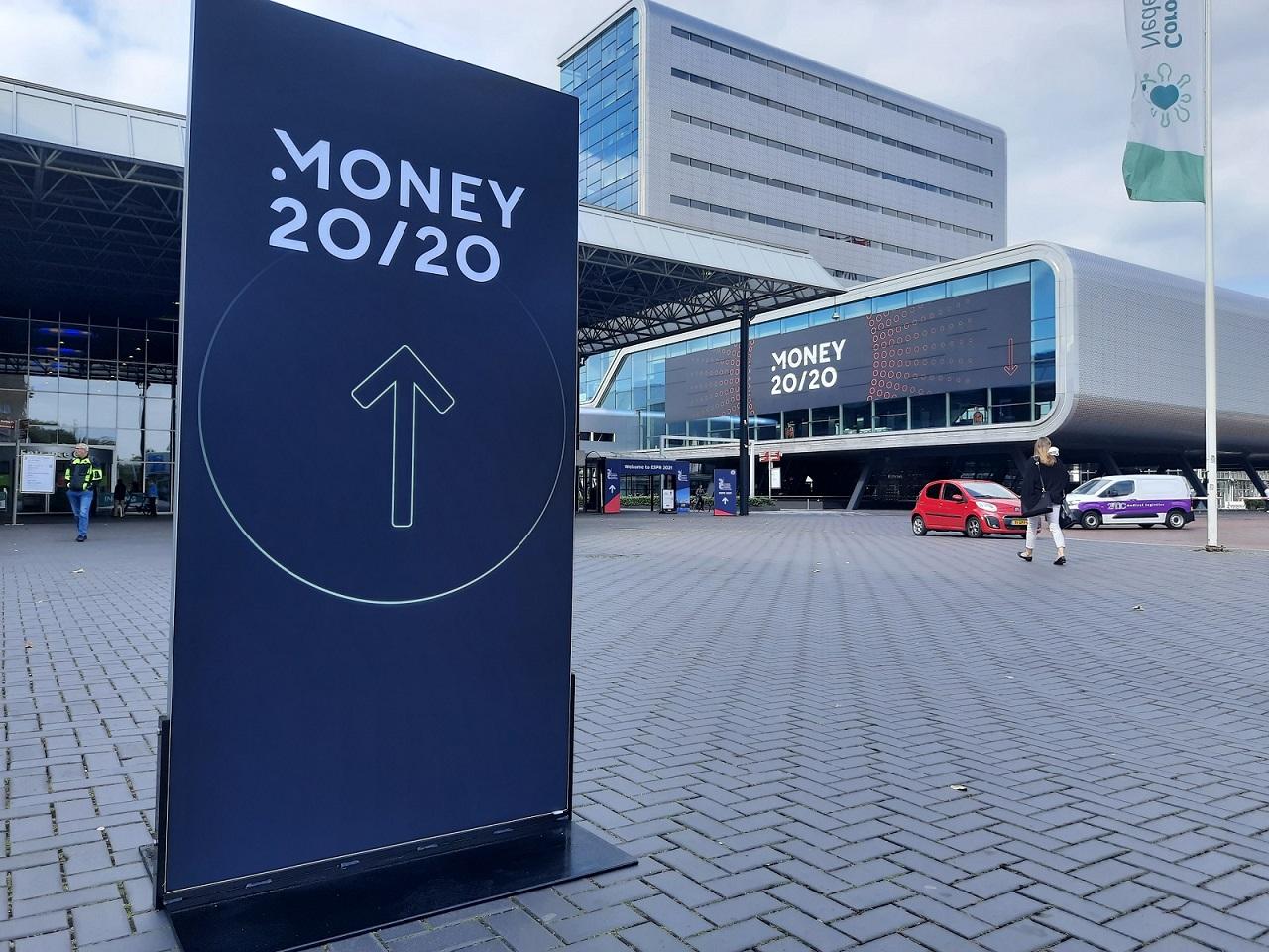 Jesteśmy w Amsterdamie – stoisko narodowe PARP na Money20/20