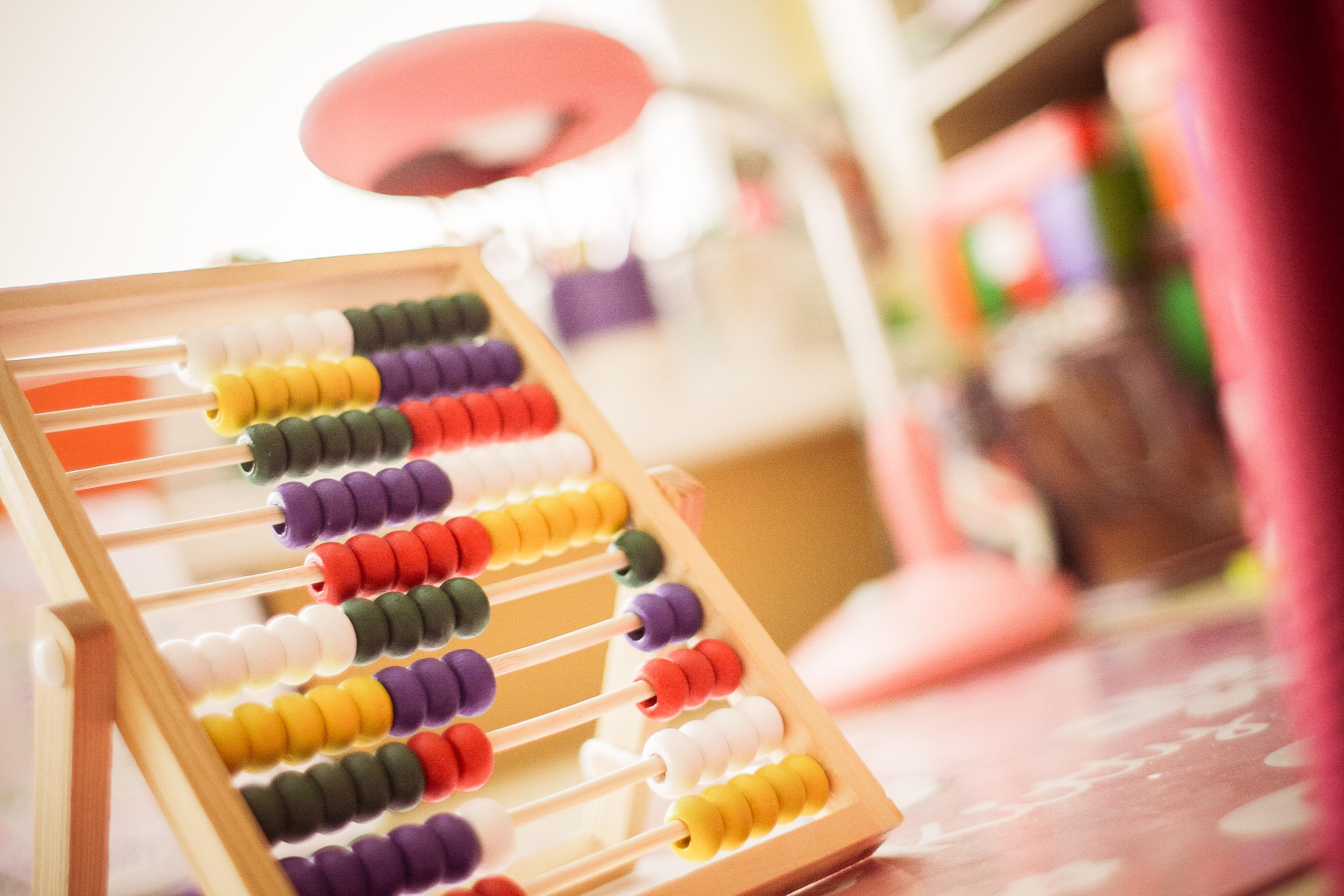 Rumuński dystrybutor poszukuje dostawców lub producentów zabawek edukacyjnych z naturalnych materiałów